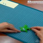 Η Ιωάννα Κατσιαβού κατασκευάζει βατραχάκια